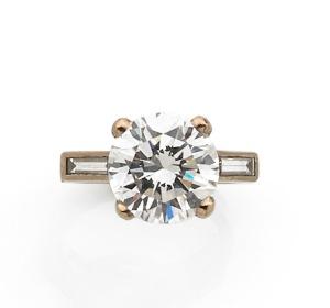 Bague or blanc et diamant -®Artcurial